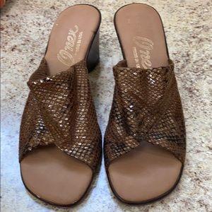 Onex 6 brown slip on sandals